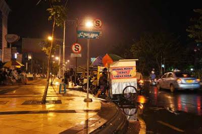 Wisata Jalan Pahlawan Semarang
