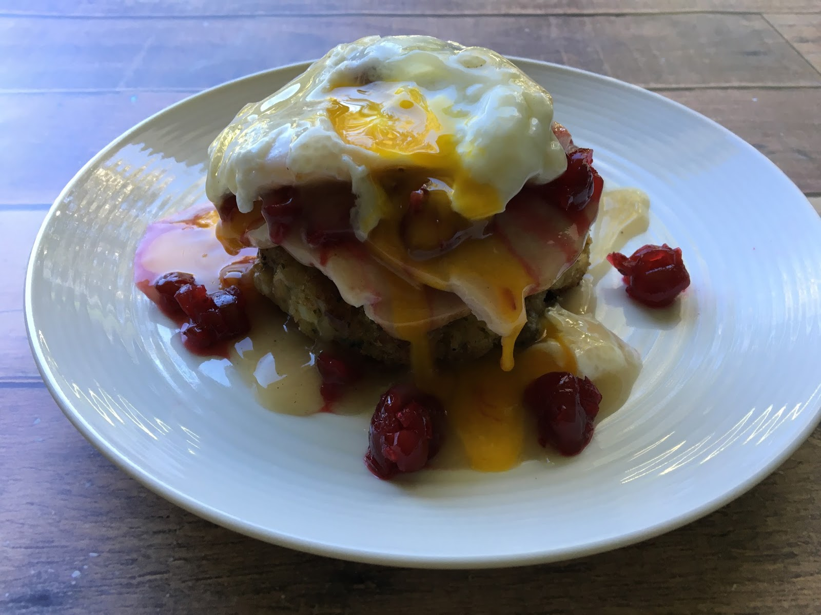 Run For Wine: Thanksgiving Leftovers Eggs Benedict #EBeggsfit