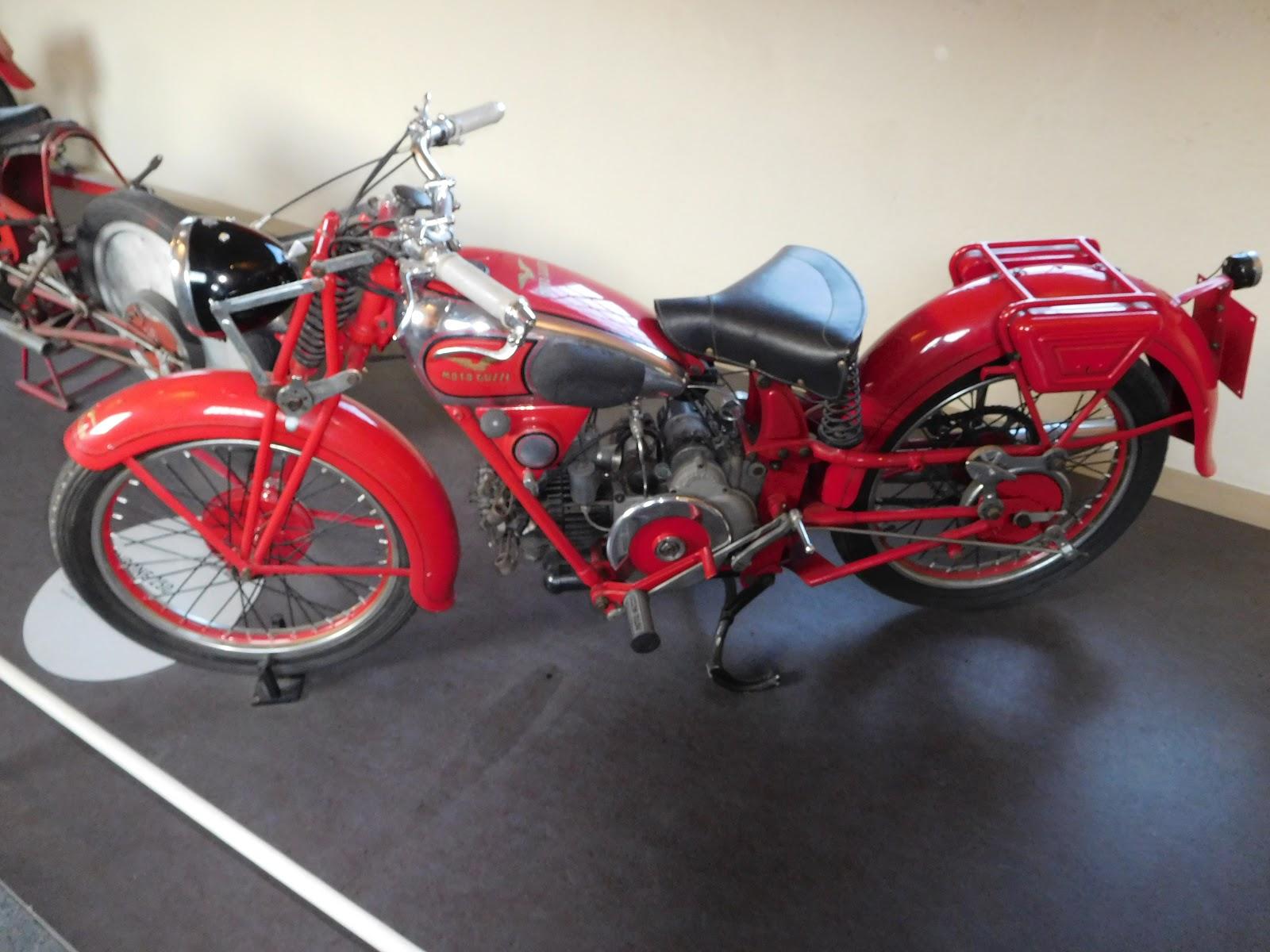NYDucati: 1939-57 Moto Guzzi Airione 250