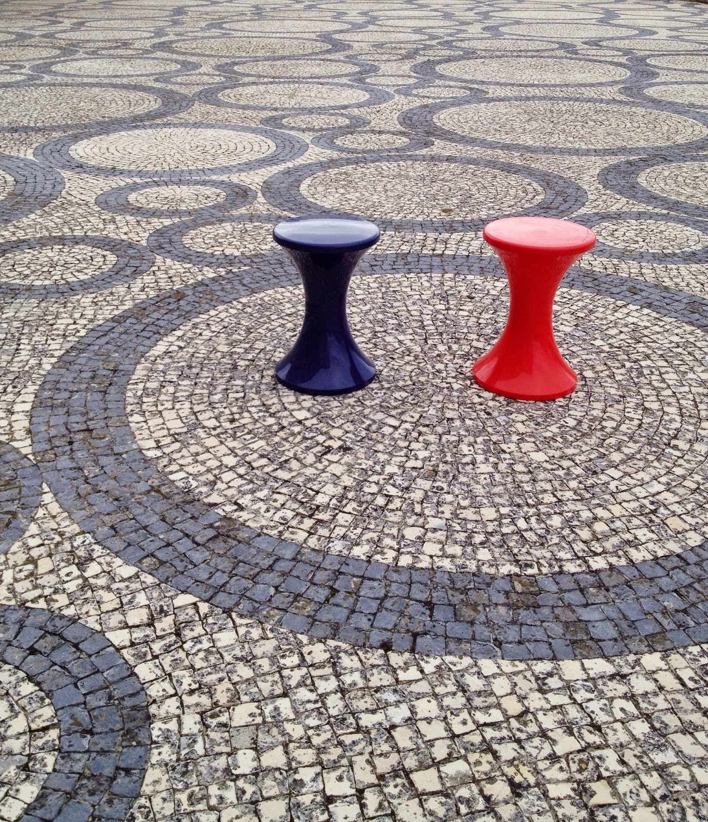 vintage, plastic stools, 70's, Fernando Távora, Aveiro