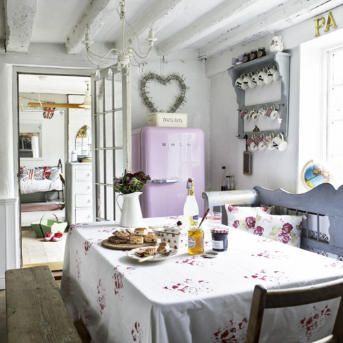 Shabby Chic Kitchen Decor Pictures: Shabby Chic - A Time To Cook Kitchen Decor Ideas 2012