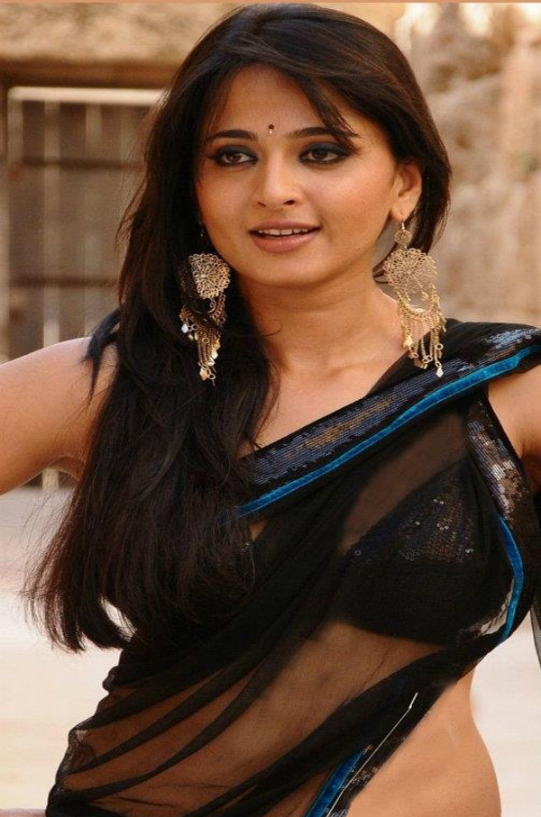 actress anushka shetty hot wallpapers exclusive pictures