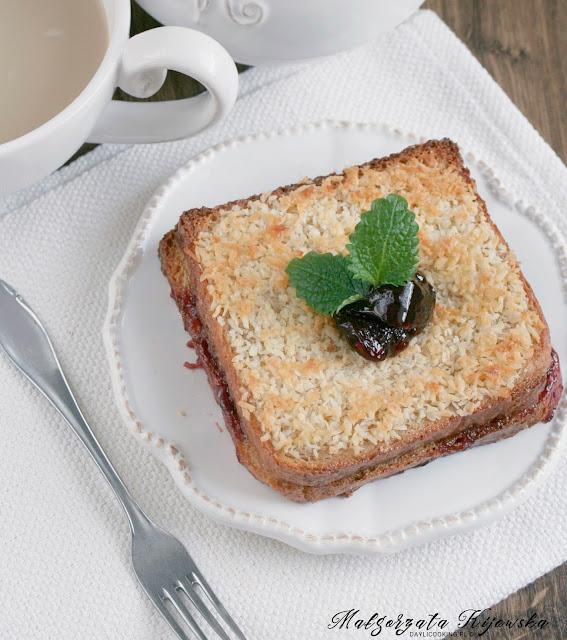 dietetyczne tosty francuskie, śniadanie na ciepło