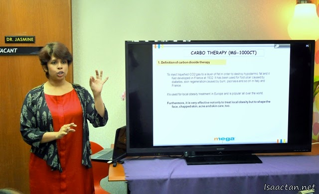 Mediviron UOA Clinic's Clinical Division Director, Dr. Jasmine Ruth giving a talk on the new carbotherapy treatment