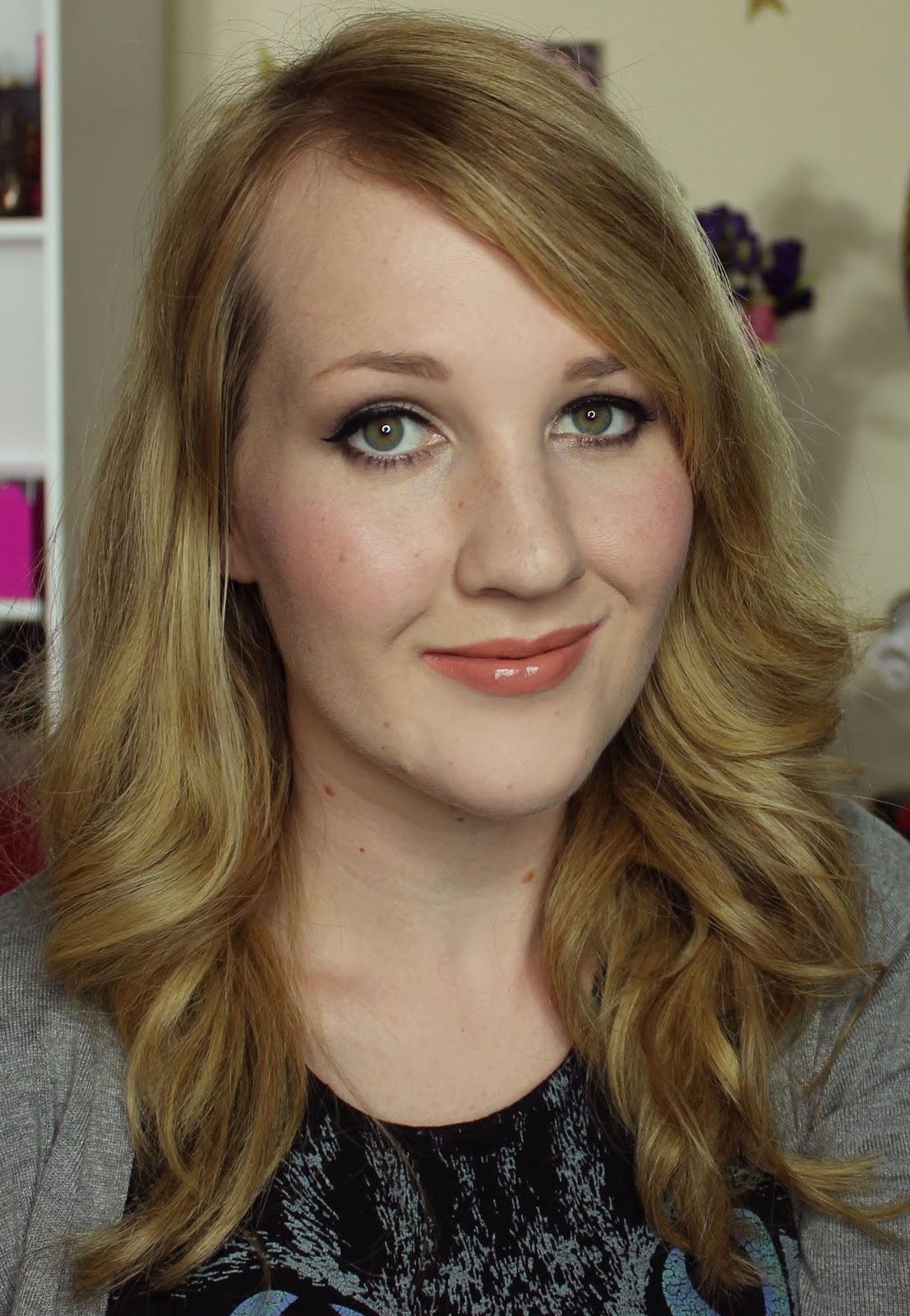 ZA Vibrant Moist Lipstick - BE222 swatches & review