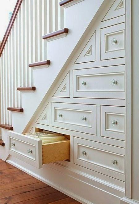 gaveteiro embaixo da escada