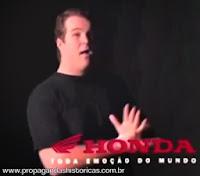 """Propaganda marcante da Honda com o jingle """"Na Cama com Pijama"""", de 1994."""