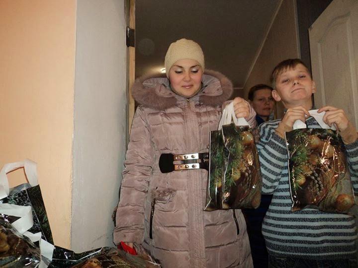 Новогодние подарки переселенцам