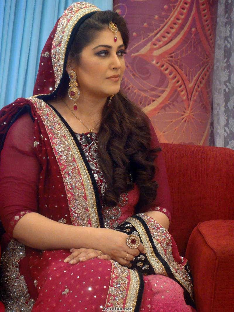 Watch Fazila Qazi video