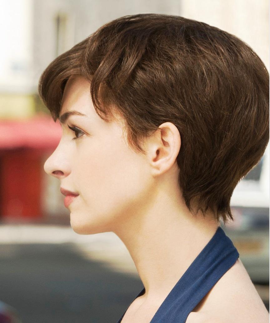 Anne Hathaway Haircuts Rainbow Carpet Girl