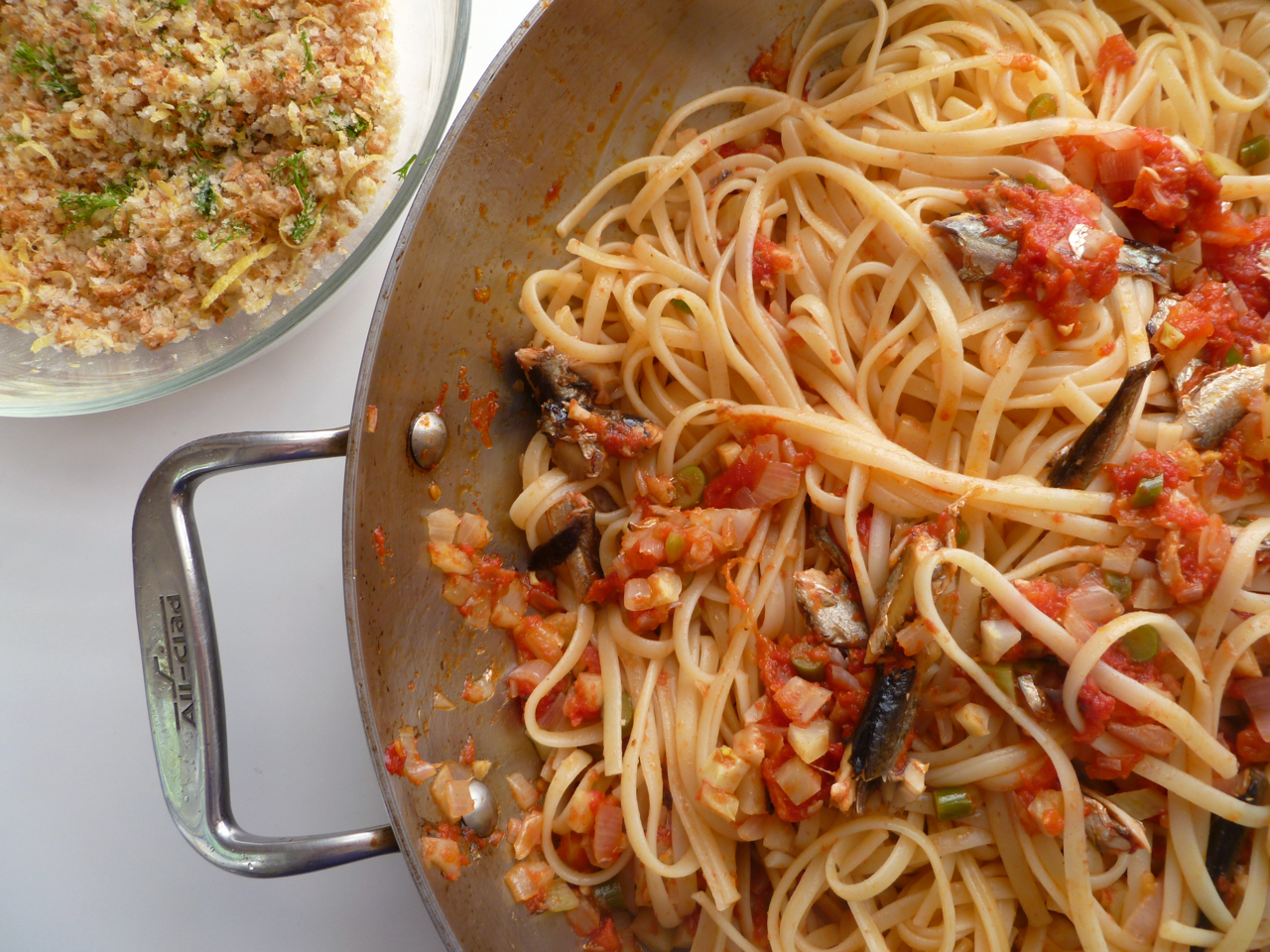 Linguine with Sardines, Fennel and Tomato