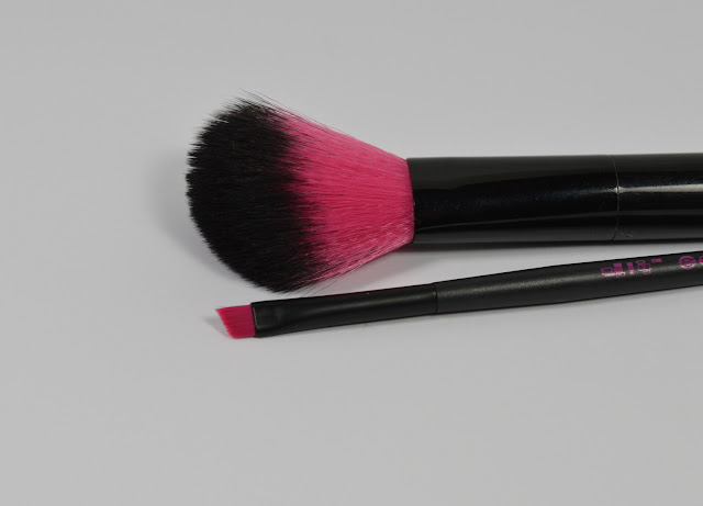Blush Brush Essence Rouge Pinsel Eyeliner Pinsel