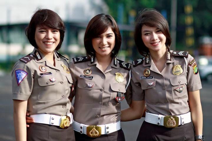 Tiga polwan cantik terbaik Indonesia body sexy dan tinggi