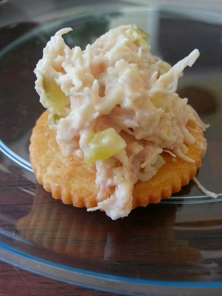 http://sharingwithmysisters.blogspot.com/2014/08/plain-ol-southern-chicken-salad.html