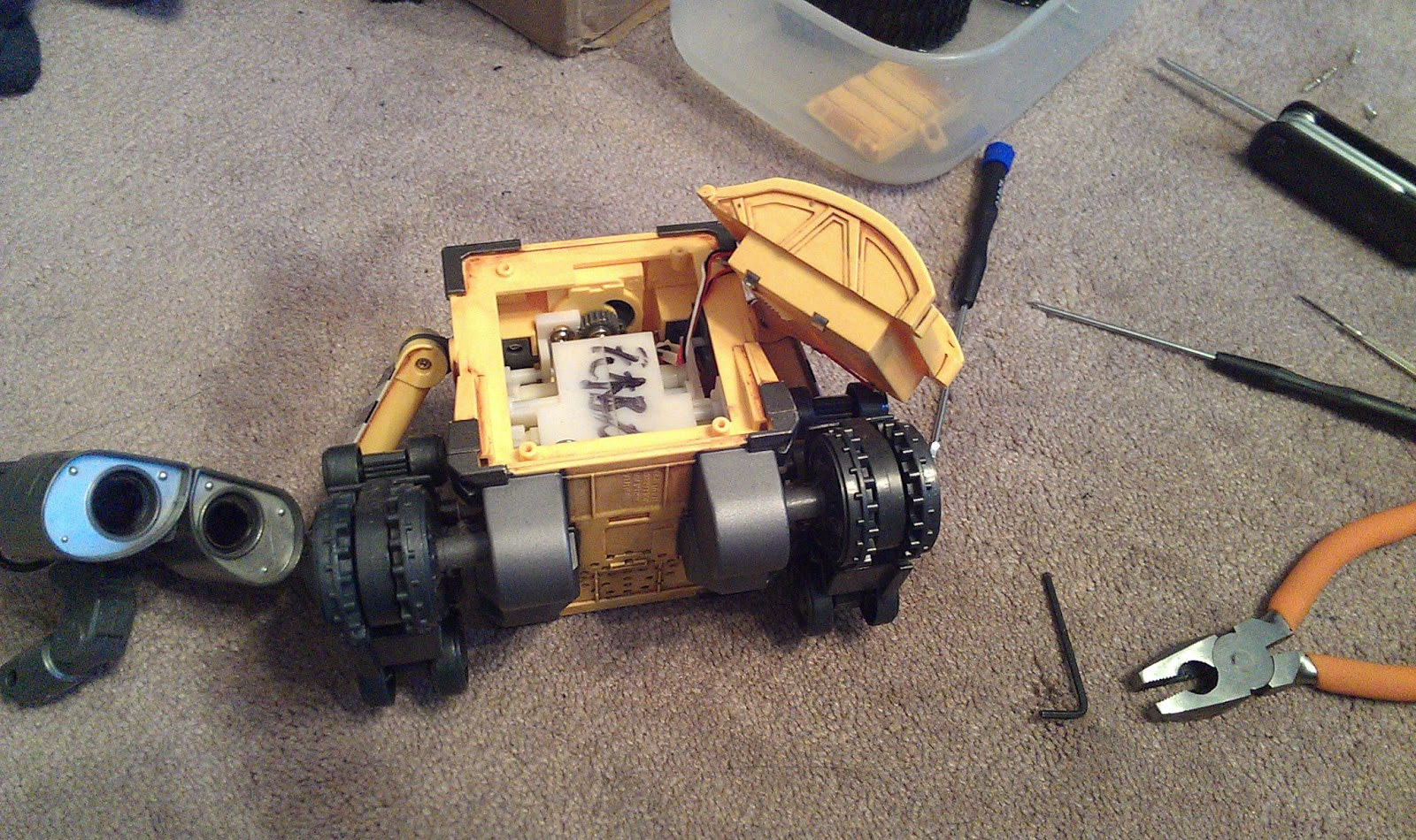 Arduino electronics and programming wall e robot object