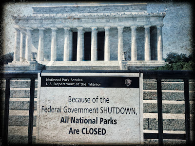 Lincoln Memorial, closed by shutdown
