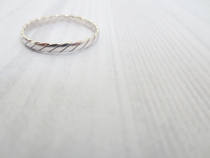 jewellerybox twisted pattern stacking ring