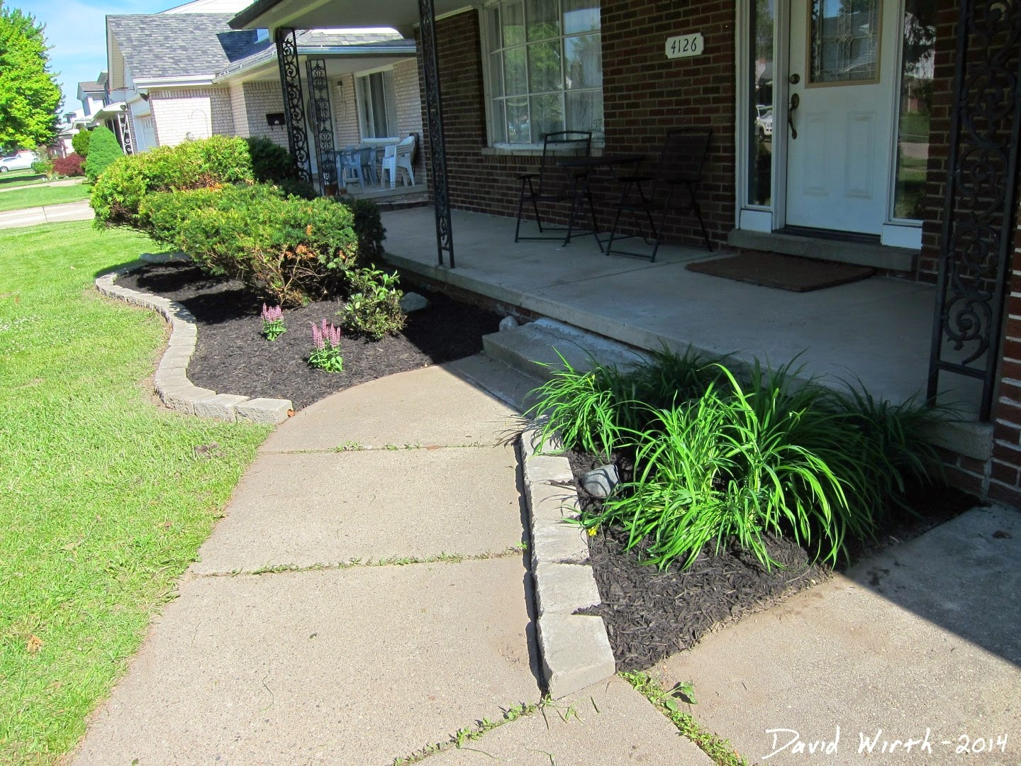 how to install block wall mulch