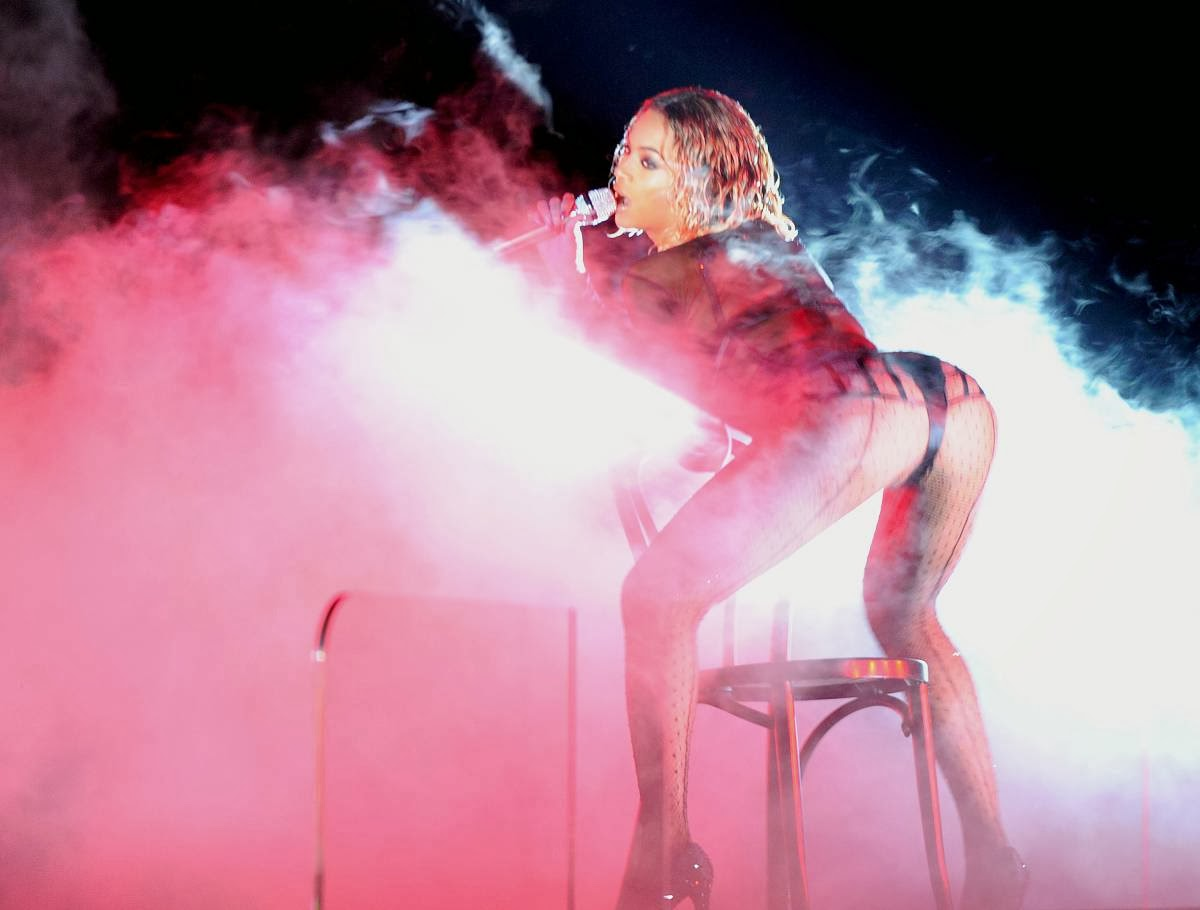 Beyonce Wore Lingerie For Her Performance At The 56th Grammy Awards