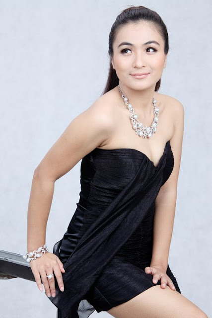 myanmar famous actress khin lay nwe