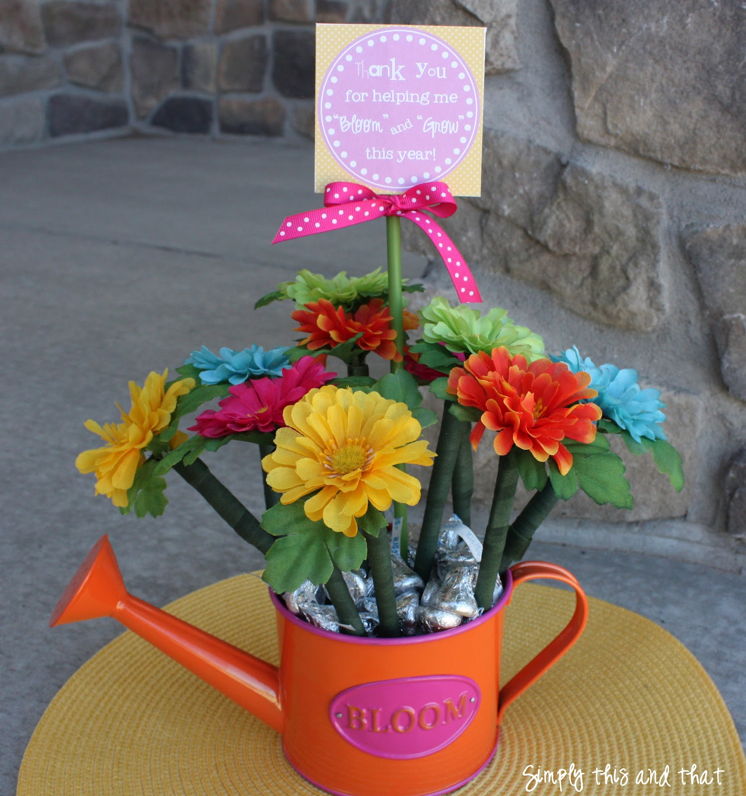 image regarding Thanks for Helping Me Bloom Printable identify Basically This and that: Flower Pen Planter and Printable Tag