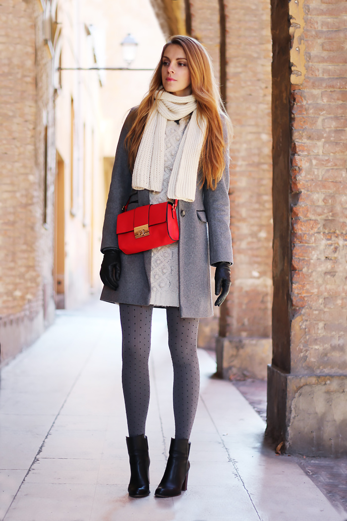 grey coat, red bag, pois tights, winter outfit, fashion