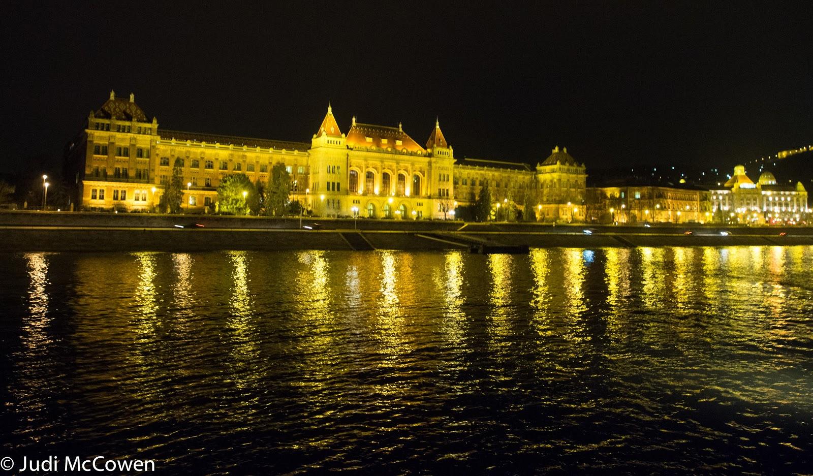 JUstDreamInparadise: Budapest by night