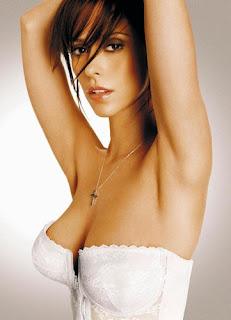 Jennifer Love Hewitt in nice latex