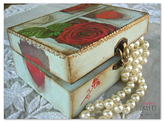 χειροποιητα διακοσμητικα,ξυλινα χειροποιητα διακοσμητικα,διακοσμηση σπιτιου,χειροποιητη εσωτερικη διακοσμηση,ξυλινα κουτια αποθηκευσης,κουτια αποθηκευσης decoupage,ξυλινες μπιζουτιερες,χειροποιητες μπιζουτιερες decoupage,ξυλινες κοσμηματοθηκες