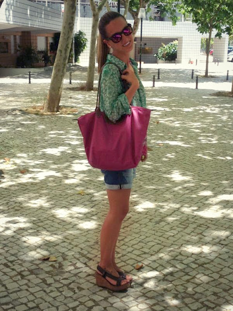 street style look, pink shirt, longchamp pink bag