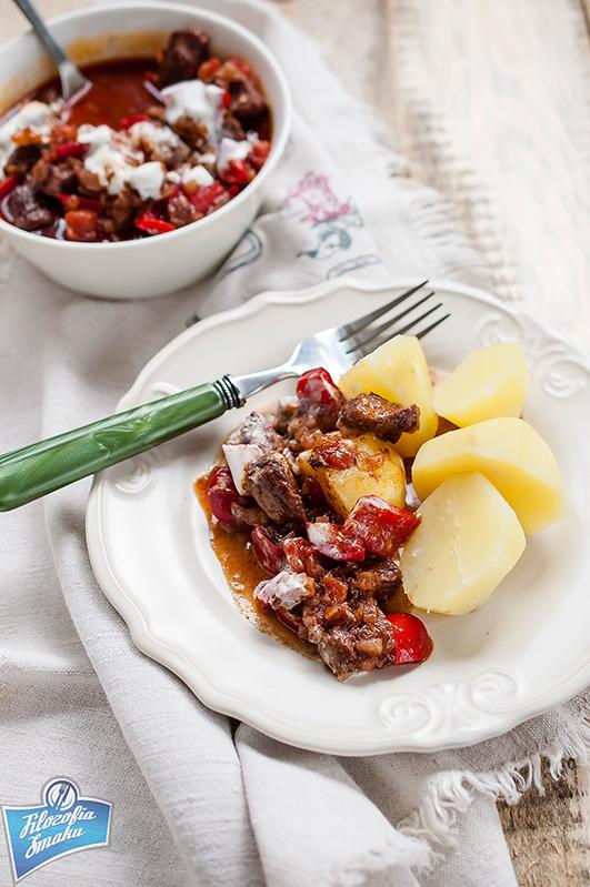 Węgierski gulasz z wołowiny