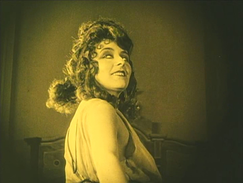 The Woman, played by Ruth Weyher, in Warning Shadows