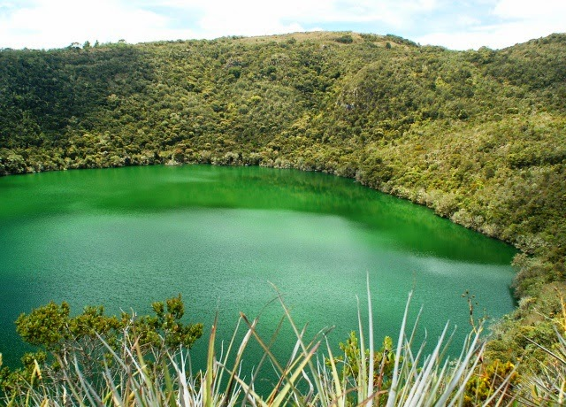 Treasure at the bottom of Lake Guatavita