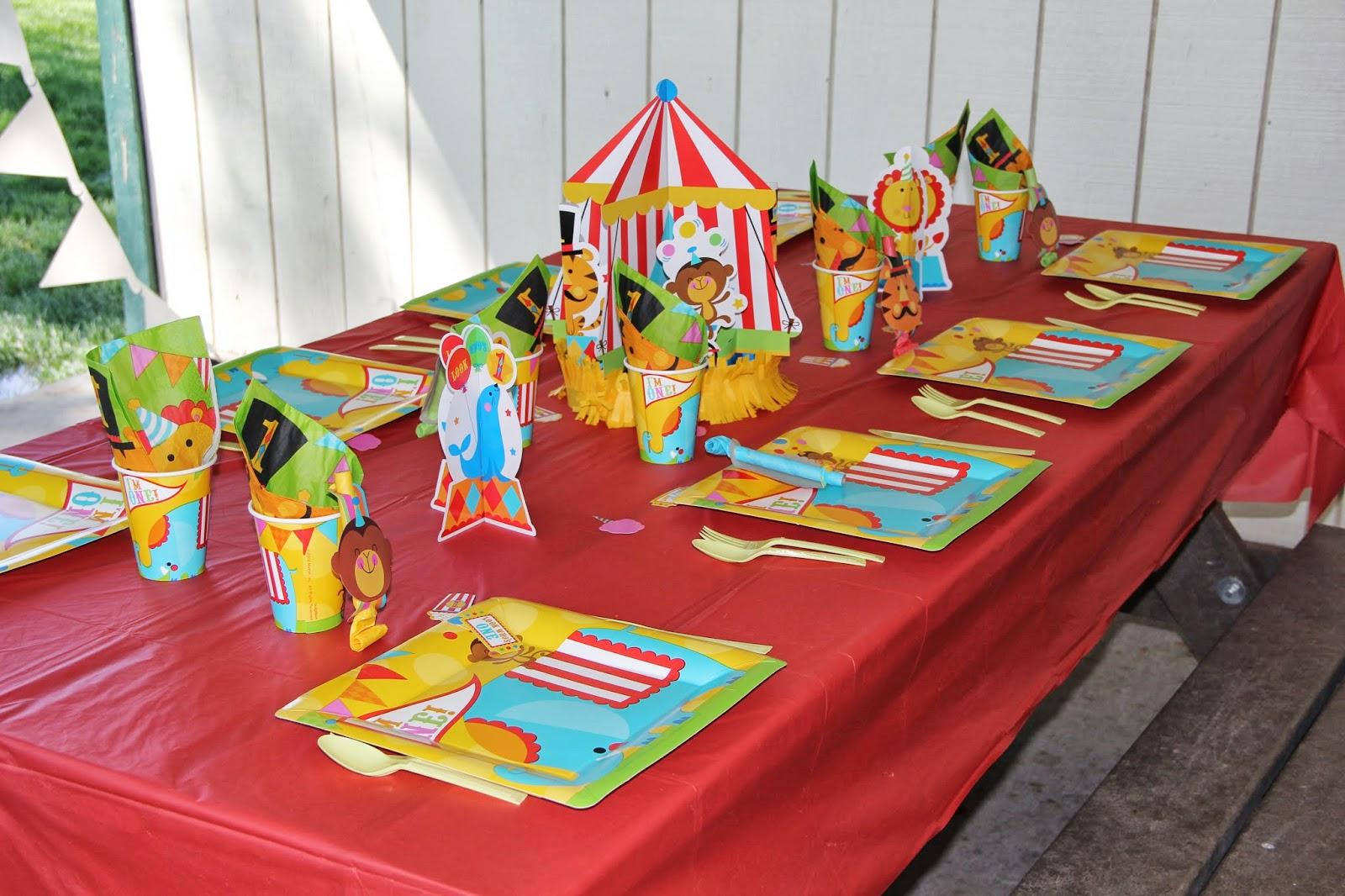 Оформления стола на день рождения ребенка фото