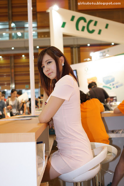 Ryu-Ji-Hye-SIDEX-2011-17-very cute asian girl-girlcute4u.blogspot.com