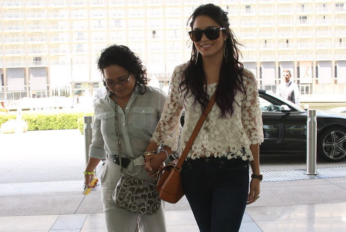 Vanessa Hudgens Out with Her Mom