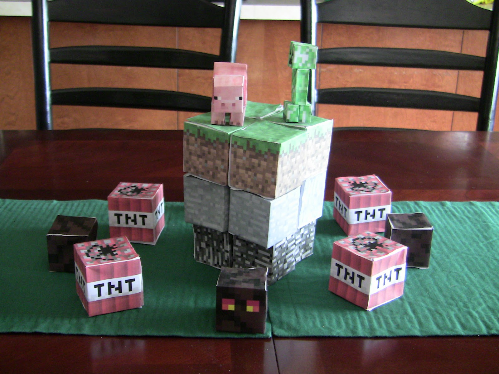apple falls minecraft party games favors and decorations. Black Bedroom Furniture Sets. Home Design Ideas