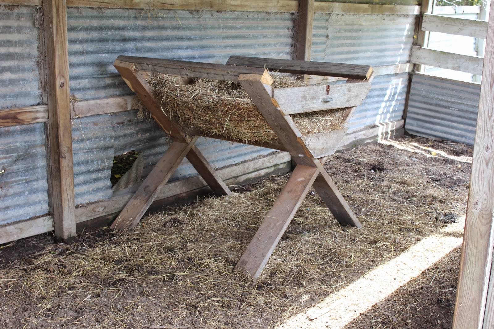 how to build a hay rack