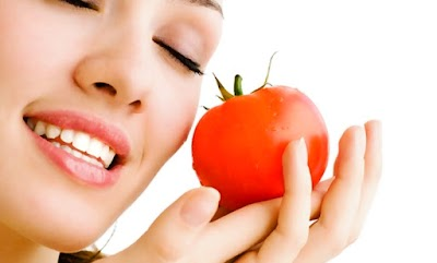 How to Use Tomato for Glowing Skin
