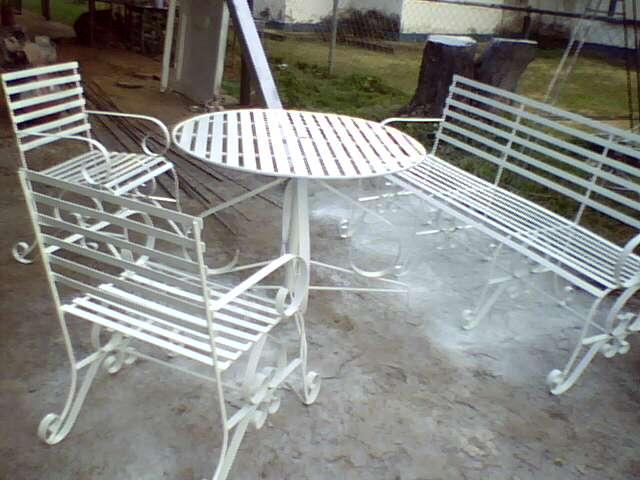 Ideas en hierro forjado juego de sillas de jardin for Sillas hierro jardin