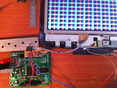 Old Laptop LCD driven by FPGA