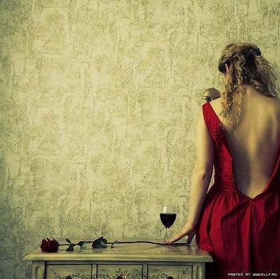 Vestida de rojo