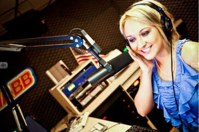 Most Beautiful Ladies in Radio Seen On www.coolpicturegallery.us