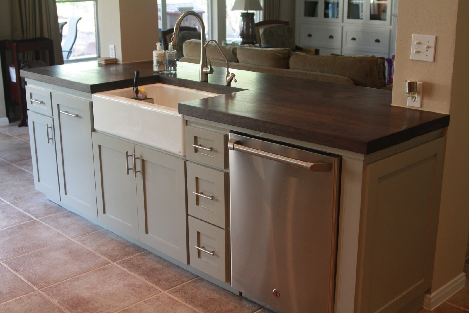 Kitchen Sink Island : ... the sink and another bank of drawers between the sink and dishwasher