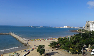 Vista da Praia de Meireles, em Fortaleza - CE, desde o Hotel Praiano