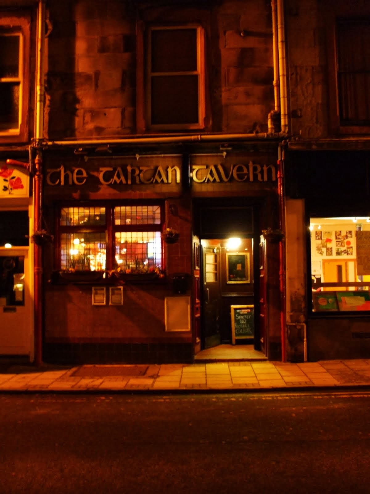 trtan tavern, oban sea penguin