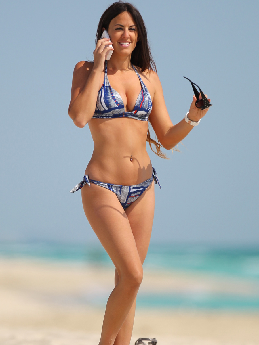 Claudia Romani Hot In Bikini Candids On The Beach Miami Picx
