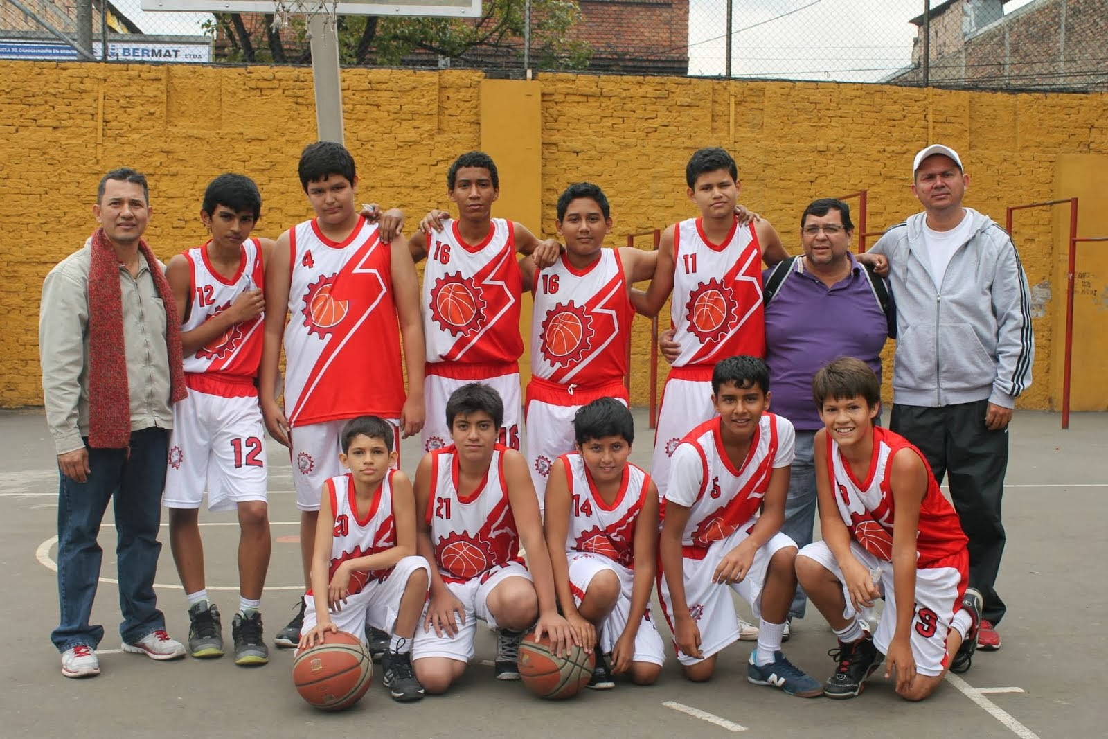 SALESIANO INFANTIL 2013