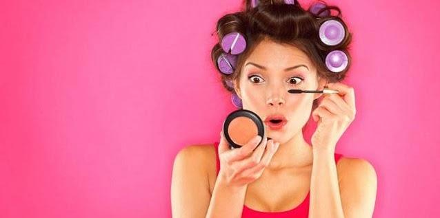 Tips Penampilan Serba Pink