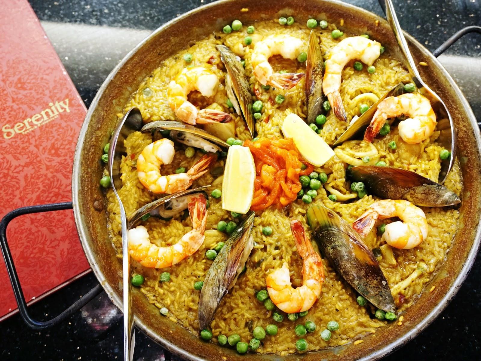 PinkyPiggu Serenity Spanish Bar Restaurant Ngee Ann City - Singer cuisine